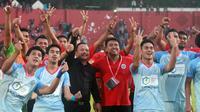 Sulut FC saat merayakan kemenangan 2-1 atas Persik di Stadion Brawijaya, Kediri (8/10/2019). (Bola.com/Gatot Susetyo)