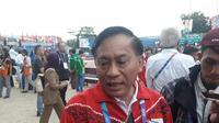 Ketua Umum PBVSI Imam Sudjarwo menilai prestasi voli pantai di Asian Games 2018 sudah maksimal. Voli pantai menyumbang satu perak dan dua perunggu. (Liputan6.com/Luthfie Febrianto)