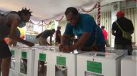 Logistik pemilu yang masih berada di KPU kota Jayapura (Liputan6.com/Katharina Janur)