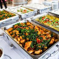 Aneka masakan prasmanan | ilustrasi/copyright shutterstock.com