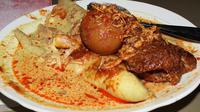 Lontong Orari merupakan salah satu kuliner legendaris yang ada di Kota Banjarmasin