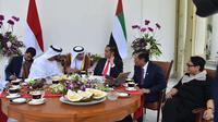 Presiden Joko Widodo menjamu Putra Mahkota Abu Dhabi Sheikh Mohamed Bin Zayed Al Nahyan di Istana Bogor, Rabu (24/7)