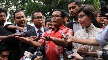 Pemeriksaan Perdana Denny Indrayana Sebagai Tersangka