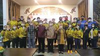 Politikus Gerindra Ahmad Muzani Bersama Atlet Lampung yang telah berlaga di PON Papua. (Foto: Istimewa).