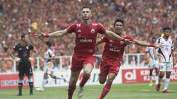 Striker Persija Jakarta, Marko Simic, merayakan gol yang dicetaknya ke gawang Mitra Kukar pada laga Liga 1 di SUGBK, Jakarta, Minggu (9/12). (Bola.com/Vitalis Yogi Trisna)