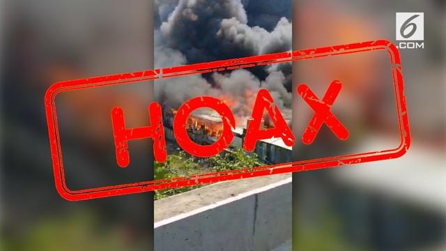 Beredar video kebakaran kolong tol di Pluit, Jakarta Utara.