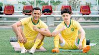 Dua pemain Persebaya Surabaya, Jose Wilkson dan Taisei Marukawa. (Bola.com/Dok Persebaya)