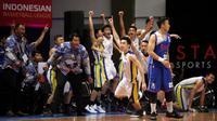 Satya Wacana Salatiga tinggal selangkah lagi mengamankan tiket ke babak playoff IBL 2016.