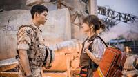Drama Descendants of The Sun yang diperankan Song Joong Ki dan Song Hye Kyo sukses menyapu bersih penghargaan Seoul Drama Awards 2016.