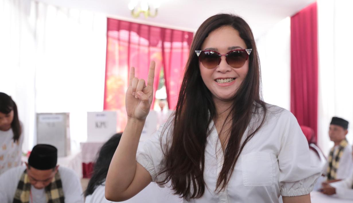 Siapa yang menyangka jika Maia Estianty merupakan cicit dari pahlawan nasional HOS Tjokroaminoto, yang merupakan pemimpin organisasi Sarekat Islam. (Adrian Putra/Bintang.com)