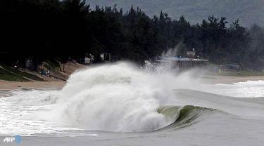 Cuaca Ekstrem Tenggelamkan Kapal di Perairan Maluku, 14 Tewas
