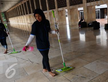 20160617-Ramadan, Go-Jek Kinclongkan 100 Masjid Lewat Go-Clean-Jakarta