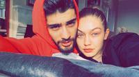 Bahan dalam sebuah postingan, akun tersebut mengatakan bahwa Zayn tak mengikuti Gigi di Instagram karena hubungan mereka palsu dan hanya untuk promosi. (instagram/gigihadid)