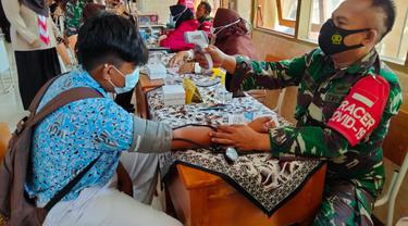Kodim 0811 Tuban mengebut vaksinasi buat kalangan pelajar dan tenaga pendidik.
