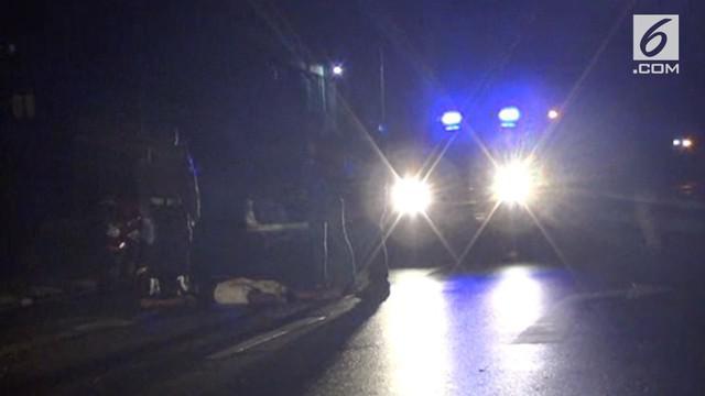 Usai pesta miras, 2 orang pemuda ditikam oleh orang tidak dikenal.
