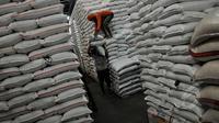 KPPU curiga ada permainan kartel komoditas pangan, kecurigaan tersebut muncul lantaran menipisnya stok beras di pasar secara tiba-tiba.
