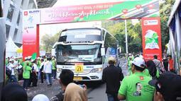 Bus pemudik saat berangkat dari Gelora Bung Karno, Jakarta Pusat, Kamis (30/5/2019). Selain memberangkatkan para pemudik, Askrindo memberikan asuransi kecelakaan diri atau Insurance Personal Accident kepada 1.406 pemudik yang diberangkatkan serentak. (Liputan6.com/HO/Iqbal)