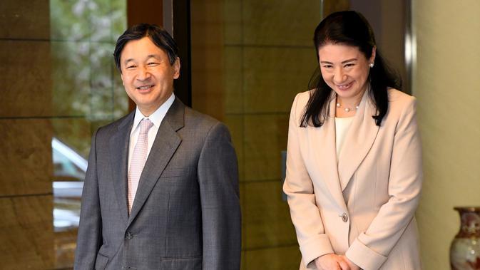 Putri Masako bersama Pangeran Naruhito bersiap untuk kunjungan ke Brasil, 16 Maret 2018. (TOSHIFUMI KITAMURA / POOL / AFP/Asnida Riani)