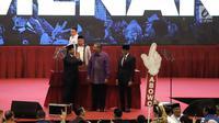Presiden ke 6, Susilo Bambang Yudhoyono (tengah) saat menghadiri pidato kebangsaan Prabowo-Sandiaga di JCC, Jakarta, Senin (14/1) malam. Pidato kebangsaan mengusung Indonesia Menang. (merdeka.com/Iqbal S Nugroho)