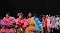 Lebih dari 35 rambu model di pertunjukkan Marc Jacobs diwarnai dengan warna pastel (instagram/marcjacobs)