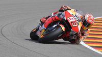 Pembalap Repsol Honda, Marc Marquez, akan mengawali balapan MotoGP Jerman di posisi terdepan. (AFP/Tobias Schwarz)