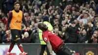 Romelu Lukaku menyumbang dua gol untuk membantu Manchester United (MU) menang 3-2 atas Southampton pada pekan ke-29 Liga Inggris di Old Trafford, Sabtu (2/3/2019). (Martin Rickett/PA via AP)