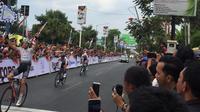 Jeroen Meijers menjadi pemenang dalam etape kedua Tour d'Indonesia 2019, Selasa (20/8/2019).(Adyaksa Vidi)