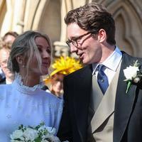 Potret Pernikahan Ellie Goulding dan Caspar Jopling (FOTO: Splashnews)