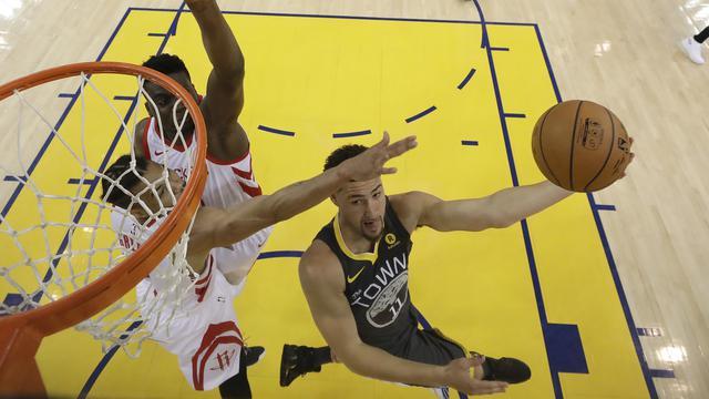 Mengenal Lay Up Dalam Olahraga Basket Dan Cara Melatihnya Ragam Bola Com
