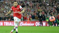 Bintang Arsenal, Santi Cazorla  berada pada urutan kelima  pemain dengan operan terbanyak, hingga pekan ke-9 Premier League, ia telah mengoleksi 561 kali operan. (EPA/Andy Rain)