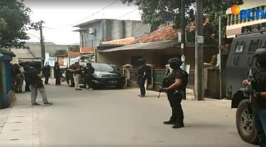 Ketiganya diduga terkait jaringan Jamaah Ansharut Daulah (JAD) Jakarta.