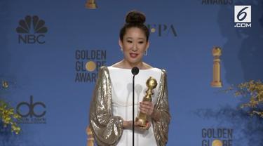 Sandra Oh sukses besar di ajang Golden Globe Awards 2019. Selain menjadi host ia juga meraih penghargaan lewat kategori aktris terbaik serial drama.