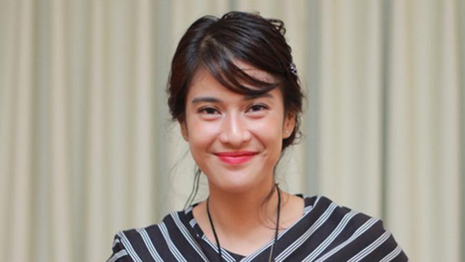 5 Artis Cantik Indonesia Yang Memutuskan Jadi Mualaf Lifestyle Fimela Com