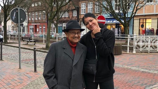 BJ Habibie dan cucu (Sumber: Instagram/melaniesubono)