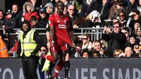 Sadio Mane mencetak gol bagi Liverpool ke gawang Fulham pada lanjutan Liga Inggris di Craven Cottage, Minggu (17/3/2019). (AFP/Glyn Kirk)