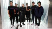 Grup band elektronik musik, NEV Plus saat media visit di Liputan 6, SCTV Tower, Jakarta, Selasa (27/3). NEV Plus merupakan proyek lain dari para personil Nidji bersama penyanyi Dea. (Liputan6.com/Arya Manggala)