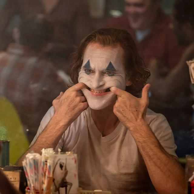 Tak Kalah Kelam Dari Joker Ini 6 Kisah Hidup Joaquin