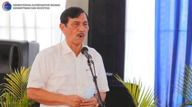 Menteri Koordinator Bidang Kemaritiman dan Investasi (Menko Marves) Luhut Binsar Pandjaitan melakukan kunjungan kerja ke Bandara Dhoho, Kediri, Senin (26/4/2021). (Foto: Kemenko Marves)