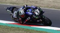 Pembalap Yamaha Monster Energy, Maverick Vinales menjadi yang terbaik pada sesi latihan bebas (free practice) sesi kedua pada MotoGP Misano. (AP Photo/Antonio Calanni)