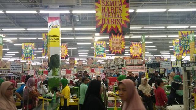 Ritel Modern Giant. Merdeka.com/Dwi A