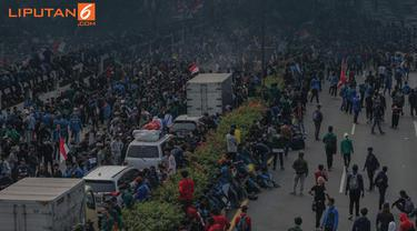 Banner Infografis Menanti Dialog Damai Redam Demo Mahasiswa