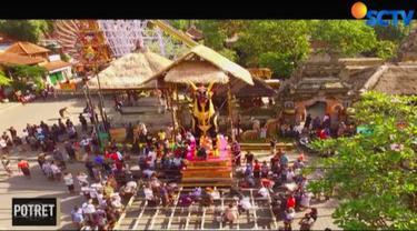 Namun, salah satu magnet pariwisata di Pulau Dewata tengah berduka. Warga Ubud, Kabupaten Gianyar, berkumpul menyiapkan upacara besar, yakni ngaben jenazah permaisuri dari raja terakhir Ubud.
