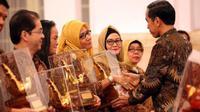 Batik Semarang dapat penghargaan Paramakarya dari Presiden Jokowi.