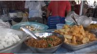 Di Suriname Ada Pasar yang Ragam Makanan Khas Jawa. foto: Youtube @Budi Sarwono