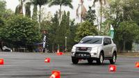 Safety driving Isuzu Lovers and Friends (Isuzu)