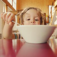 Sarapan dapan mempengaruhi tingkat kecerdasan anak. (Foto: unsplash.com)