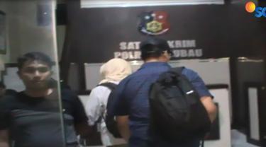 Bupati Buton Selatan Agus Faisal Hidayat ditangkap penyidik KPK di rumah dinasnya di Kabupaten Buton Selatan, sekitar pukul 17.00 WITA.