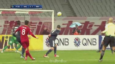 Mantan gelandang Chelsea, Oscar mencetak dua gol untuk membantu Shanghai SIPG menang di laga Grup F, Liga Champions Asia. Pemain a...