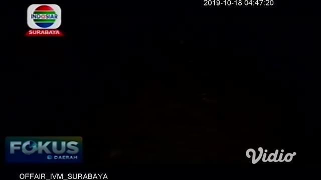 Warga digegerkan dengan penemuan janin bayi. Janin tersebut diduga sengaja digugurkan orang tuanya karena hasil hubungan gelap dan dibuang dalam kardus di lahan kosong depan wisata Alam Indah Lestari (AIL), Desa Karangbendo Kecamatan Rogojampi.