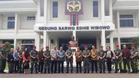 Petinggi PT Surya Citra Media (SCM) bersilaturahmi ke Markas Kopassus di Cijantung, Jakarta Timur, Senin (13/1/2020). (Liputan6.com/Muhammad Radityo Priyasmoro)